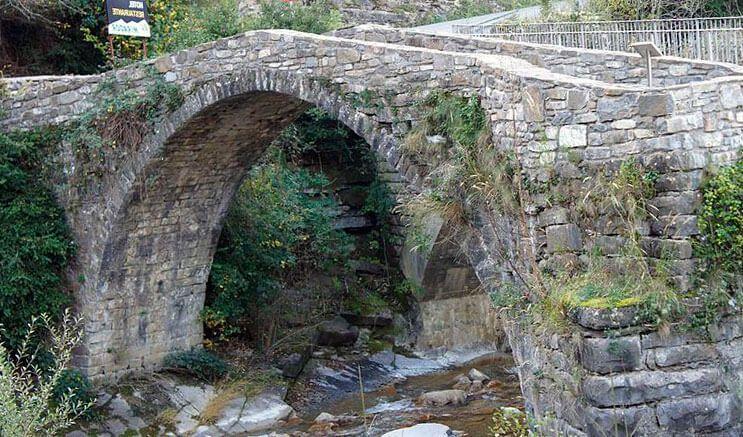 ruta de broto para llegar a la cascada de sorrosal